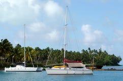Aitutaki港在Aitutaki盐水湖库克群岛 免版税库存图片