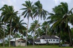 从旋风帕特的被毁坏的房子在Aitutaki盐水湖库克岛 免版税库存照片