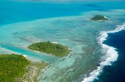 Aitutaki-Annäherung von der Luft Stockfotos