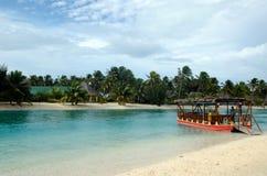 Aitutaki laguny zdrój w Aitutaki laguny Kucbarskich wyspach i kurort Obraz Royalty Free