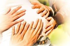 Aiuto della mamma Immagini Stock Libere da Diritti