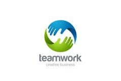 Aiuto delle mani di logo due di lavoro di squadra Fotografia Stock