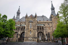 A Aix-la-Chapelle gótico Rathaus, Alemanha Foto de Stock
