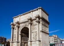 Aix triunfal de Porte d do arco (cerca de 1839). Marselha, França Imagens de Stock