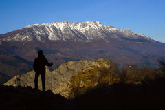 aizkorri de som fotvandrar toppig bergskedja för naturlig park Royaltyfria Bilder