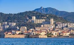 Ajácio, arquitetura da cidade litoral, ilha de Córsega, França imagens de stock