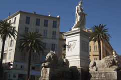 AJACCIO/CORSICA/FRANCE - - Romaans standbeeld i Stock Foto