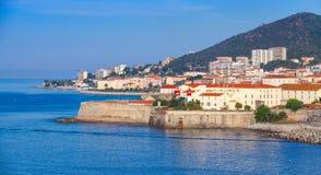 Ajaccio, nabrzeżny pejzaż miejski, Corsica wyspa, Francja Zdjęcia Royalty Free