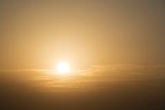 Ajardina o por do sol do céu da natureza, fundo do céu, nuvens com fundo Imagens de Stock Royalty Free