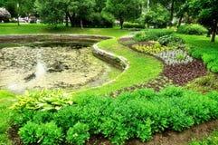Ajardinando no parque de Alexander em St Petersburg, Rússia Imagem de Stock Royalty Free