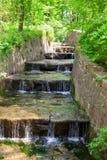 Ajardinar com cachoeira Fotografia de Stock