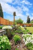 Ajardinar do quintal Camas de flor Imagem de Stock