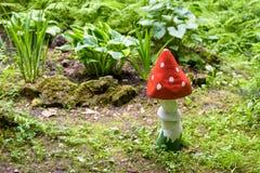 Ajardinar em um jardim home Imagem de Stock Royalty Free