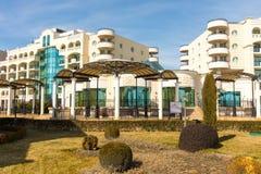 Ajardinar no complexo do turista no búlgaro Pomorie Imagens de Stock Royalty Free