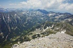 Ajardine ao pico chukar de Vihren, montanha de Banderishki de Pirin Imagem de Stock Royalty Free