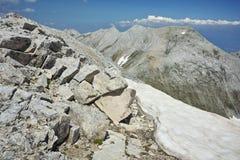 Ajardine ao pico de Kutelo e ao koncheto de Vihren, montanha de Pirin Fotografia de Stock Royalty Free