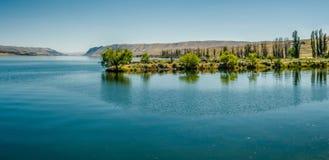 Ajardine cenas da natureza em torno do estado a do Rio Columbia Washington Foto de Stock