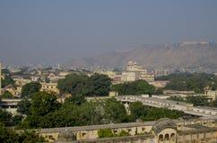 Ajardine a cidade de Jaipur na Índia a vista superior Fotos de Stock