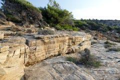 Ajardine com água e as rochas na ilha de Thassos, Grécia Fotos de Stock