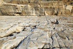 Ajardine com água e as rochas na ilha de Thassos, Grécia Foto de Stock Royalty Free