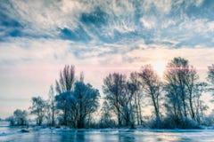 Ajardine com água, gelo e neve congelados no rio de Dnieper em Kiev, durante o inverno Fotos de Stock
