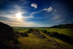 Ajardine com campos no verão, Dobrogea, Romênia Imagens de Stock Royalty Free