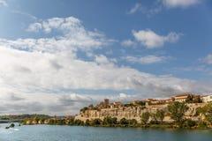 Ajardine com a cidade de Zamora no fundo, e vista de Imagens de Stock Royalty Free