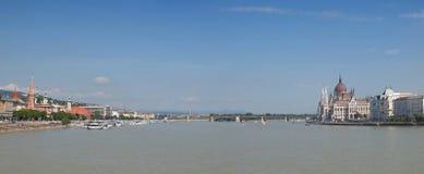 Ajardine com cidade e Danube River de Budapest em Hungria Imagem de Stock Royalty Free