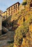 Ajardine com a cidade velha espanhola pequena Ares. Imagem de Stock