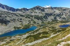 Ajardine com Dalgoto o lago longo, montanha de Pirin Fotos de Stock Royalty Free