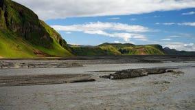 Ajardine com garganta de Eldgja e mola, Islândia sul Fotos de Stock