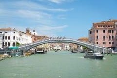 Ajardine com a imagem do canal em Veneza Fotografia de Stock Royalty Free