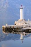 Ajardine com a imagem do mar e das montanhas Imagens de Stock Royalty Free