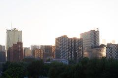 Ajardine com a imagem dos skycrapers no Pequim Imagem de Stock Royalty Free