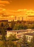 Ajardine com indústria extrativa na maioria na república checa, céu do por do sol Imagem de Stock Royalty Free