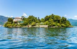 Ajardine com lago Maggiore e ilha Madre, Itália Imagens de Stock