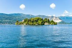 Ajardine com lago Maggiore e ilha Madre, Itália Imagem de Stock Royalty Free