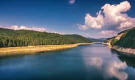 Ajardine com lago Oasa no Romanian Carpathians, Transalpina Fotografia de Stock Royalty Free