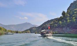 Ajardine com o rio Dalaman da montanha em Turquia Fotografia de Stock Royalty Free