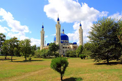 Ajardine com o templo do Islão da Rússia sul Fotografia de Stock