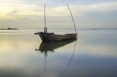 Ajardine com por do sol no litoral e no céu bonito, Tailândia Fotos de Stock Royalty Free