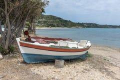 Ajardine com a praia da areia em Kefalonia, ilhas Ionian, Grécia Imagens de Stock Royalty Free