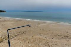 Ajardine com a praia da areia em Kefalonia, ilhas Ionian, Grécia Fotos de Stock Royalty Free