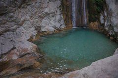 Ajardine com rio e cachoeiras na ilha de Lefkada, GR Fotos de Stock Royalty Free