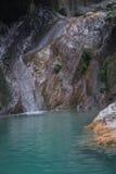 Ajardine com rio e cachoeiras na ilha de Lefkada, GR Imagem de Stock