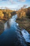 Ajardine com rio e floresta da completo-água na primavera perto do Mo Fotografia de Stock Royalty Free