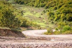 Ajardine com a trilha de carro nas montanhas, Turquia Imagens de Stock Royalty Free