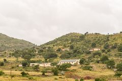 Ajardine com uma igreja e diversas casas perto da balsa de Tugela Imagens de Stock Royalty Free
