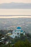 Ajardine com uma igreja, Kos, Grécia Imagem de Stock Royalty Free