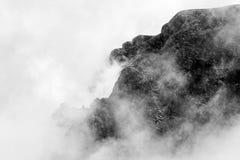 Ajardine das montanhas de Bucegi, parte de Carpathians do sul Foto de Stock